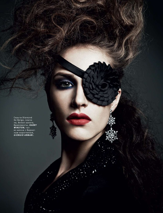 Vogue-Russia-December-2012-Editorial-by-Danil-Golovkin-014