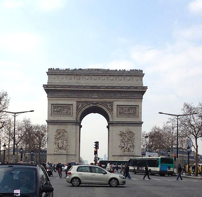 9 Arc de Triomphe