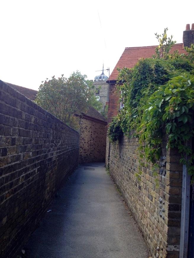 1 Sandwich town - alley