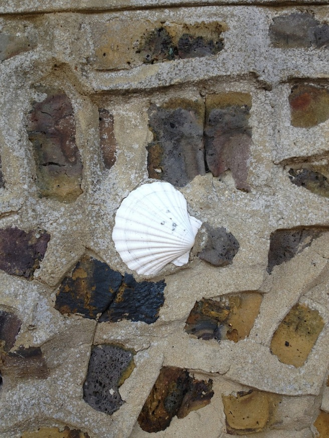 9 Broadstairs - wall of shells 2