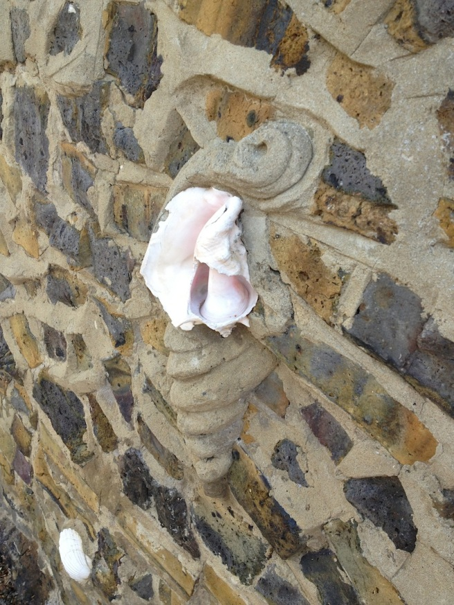 9 Broadstairs - wall of shells 4
