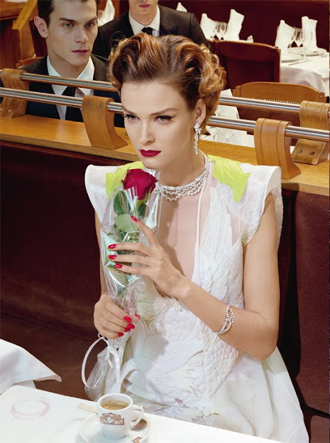 Carmen_Kass_by_Miles_Aldridge_(A_Precious_Glam_-_Vogue_Italia_March_2011)_10