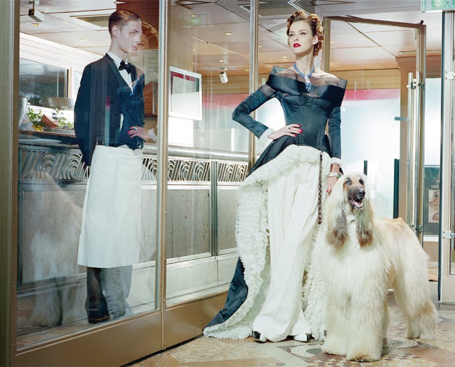 Carmen_Kass_by_Miles_Aldridge_(A_Precious_Glam_-_Vogue_Italia_March_2011)_11