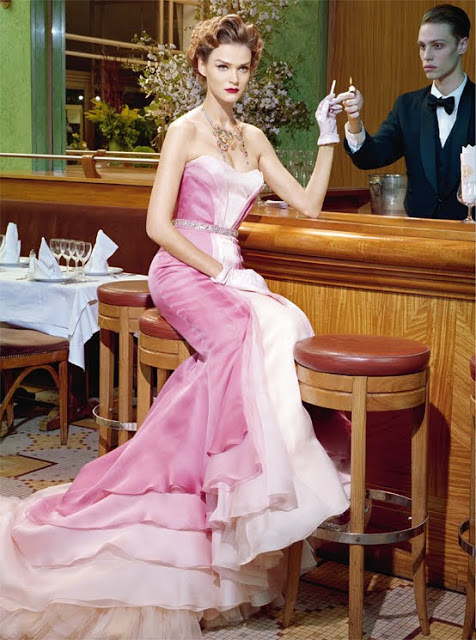 Carmen_Kass_by_Miles_Aldridge_(A_Precious_Glam_-_Vogue_Italia_March_2011)_6