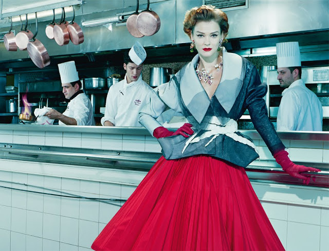 Carmen_Kass_by_Miles_Aldridge_(A_Precious_Glam_-_Vogue_Italia_March_2011)_7