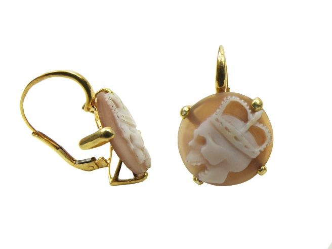 These quirky Jolita Jewellery earrings are made of brown sardonix sea shell cameos, handcarved with skulls. The earrings are dipped in gold.