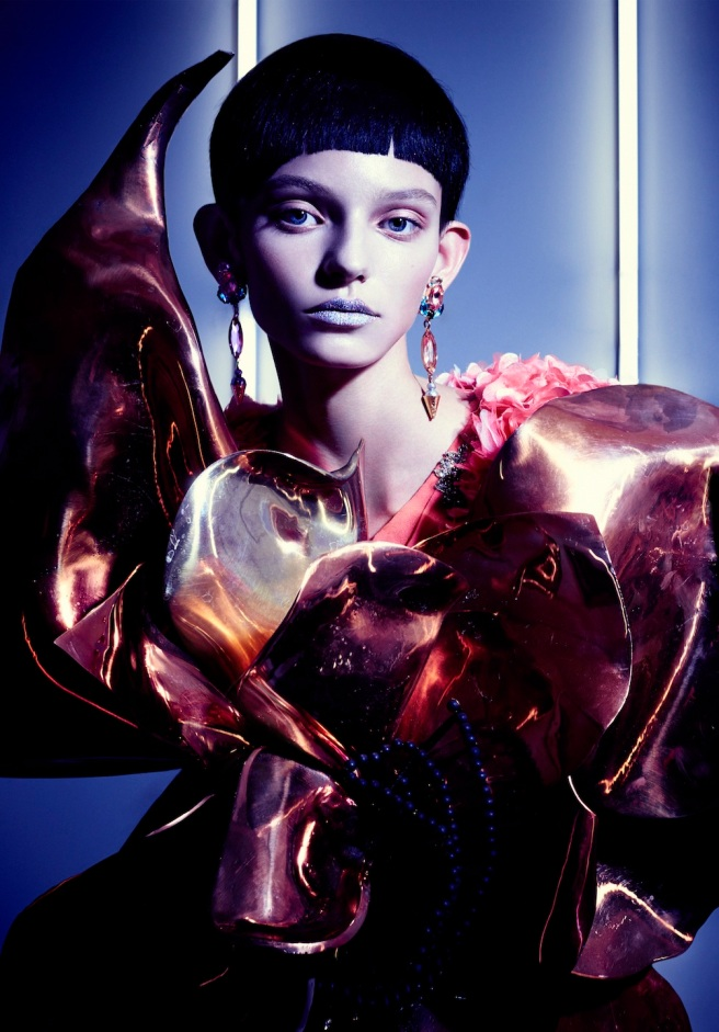 Jolita Jewellery's pink crystal Debutante earrings featured in Vision Magazine, China