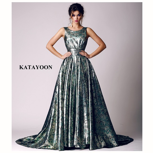 Katayoon SS15 dress, accessorised with Jolita Jewellery's Duchess statement earrings, created with dipped in gold crystals